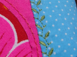 detail_broderie_trousse3_800-600