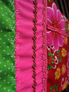 detail_broderie_trousse_patchwork_800-600