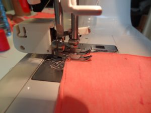 couture a pied double entrainement point tissus extensibles