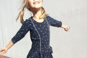 robe devant sourire 800_crop miniature